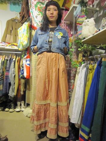 アンティークのスカート