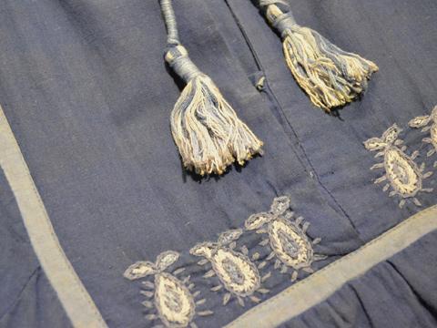 刺繍ワンピ