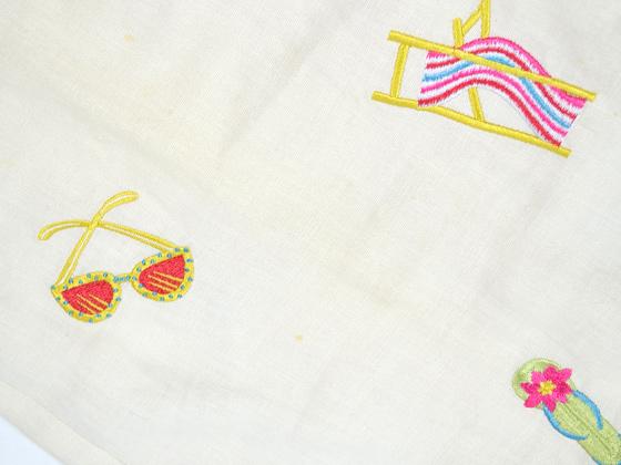 刺繍パンツ