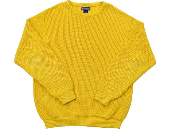 黄色ニット