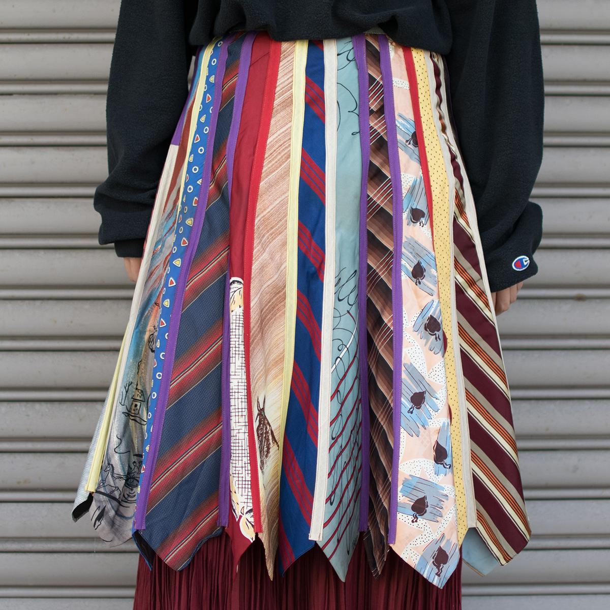 ネクタイスカート